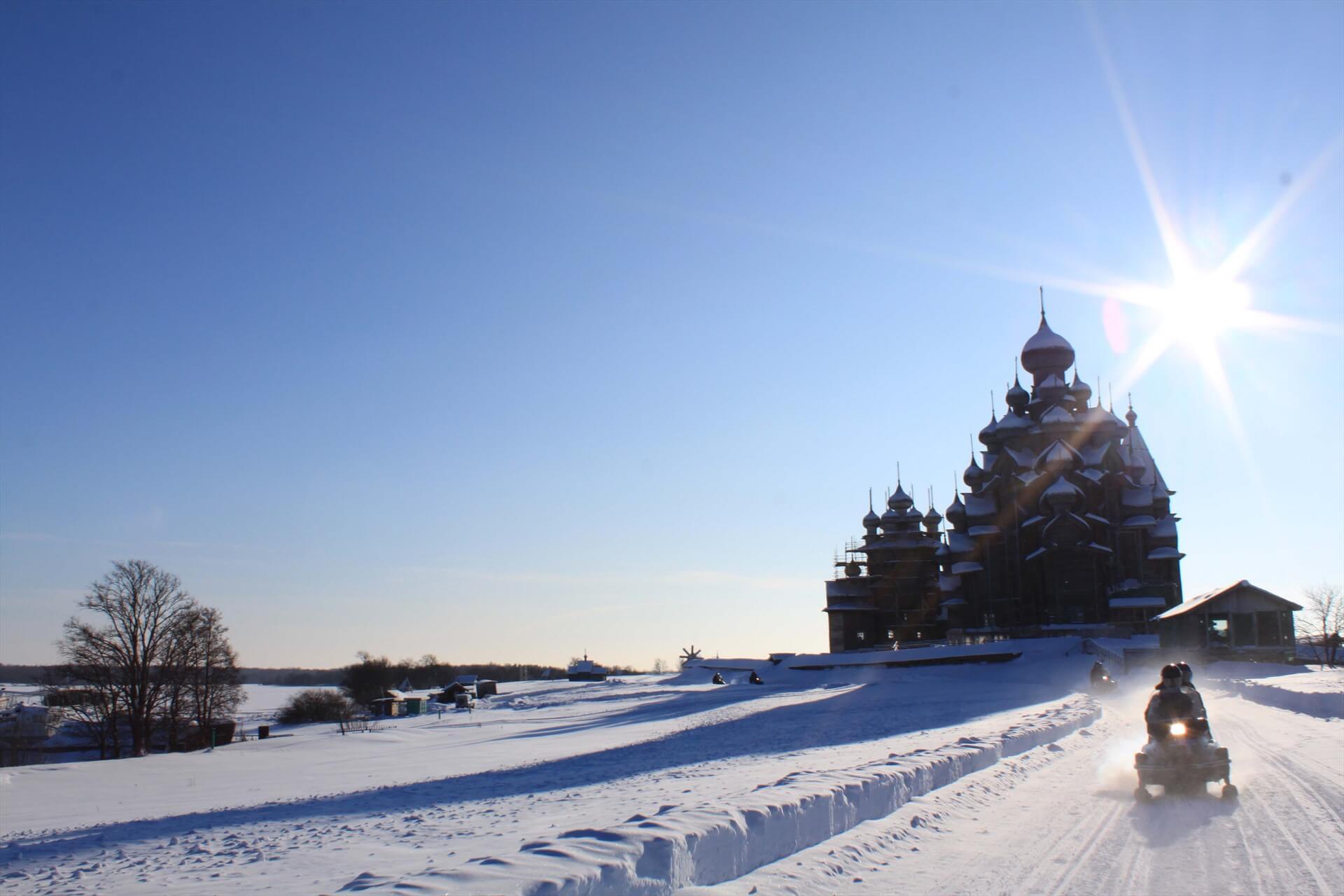 Зимние забавы в Карелии - тур на 3 дня по маршруту Кижи - Кивач -  Петрозаводск. Описание экскурсии, цены и отзывы.